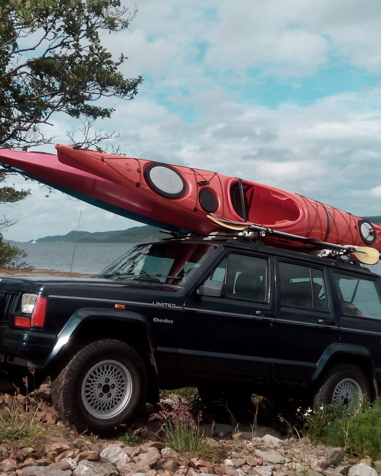kayaks on jeep